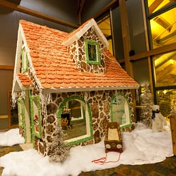 photo of snowland gingerbread house at great wolf lodge niagara falls on canada - Great Wolf Lodge Christmas