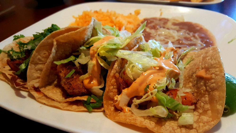 Zocalo Mexican Bar and Grill: 203 Butterfield Rd, Vernon Hills, IL