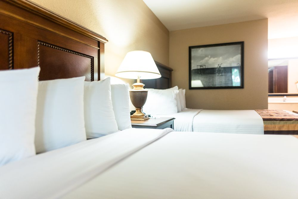 Magnuson Grand Hotel & Conference Center Tyler: 3310 Troup Hwy, Tyler, TX