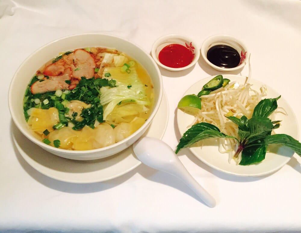 Wonton Egg Noodle Soup With Roasted Pork Yelp