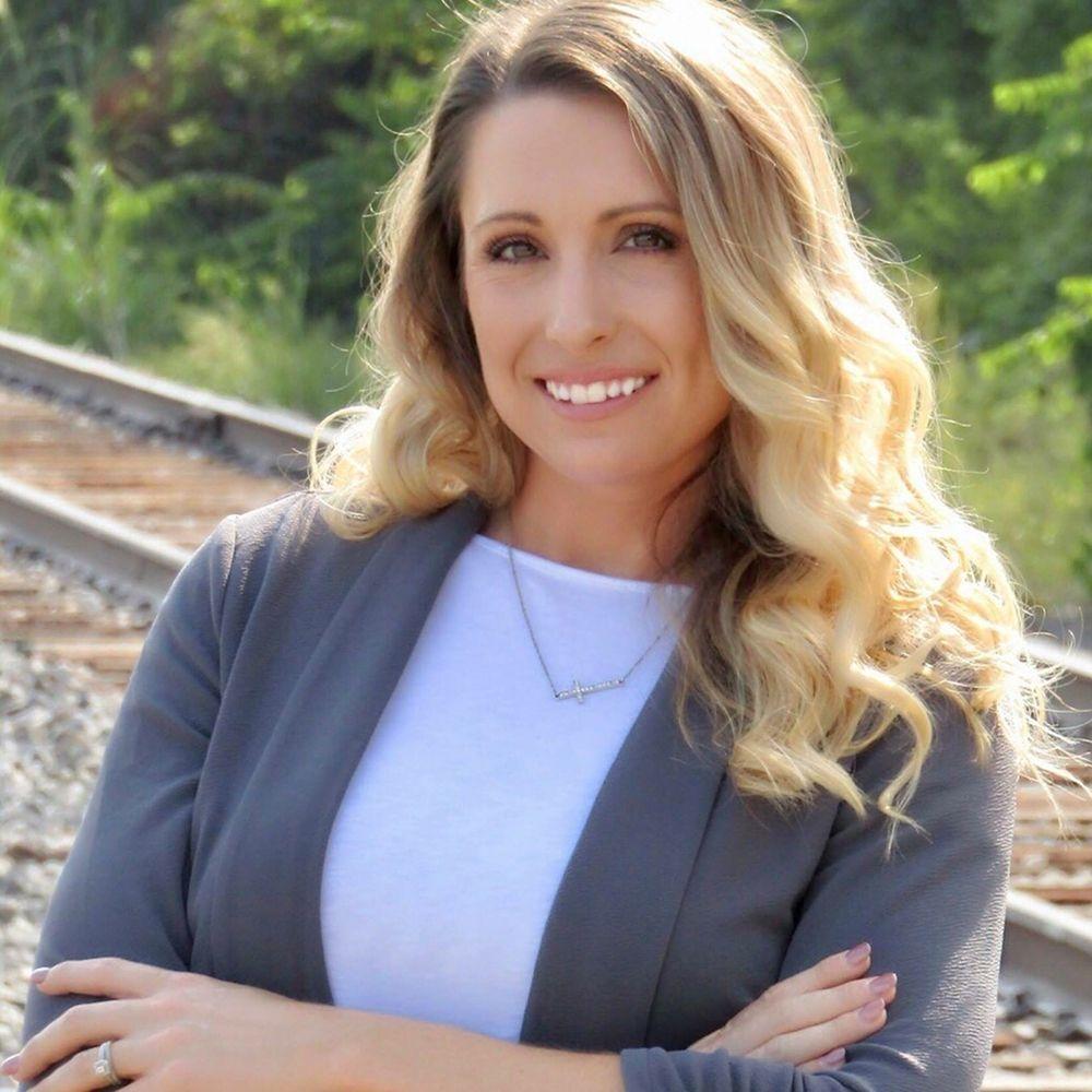 Jessica Smotherman - Remax Elite Realtors: 4243 NE Lakewood Way, Lee's Summit, MO
