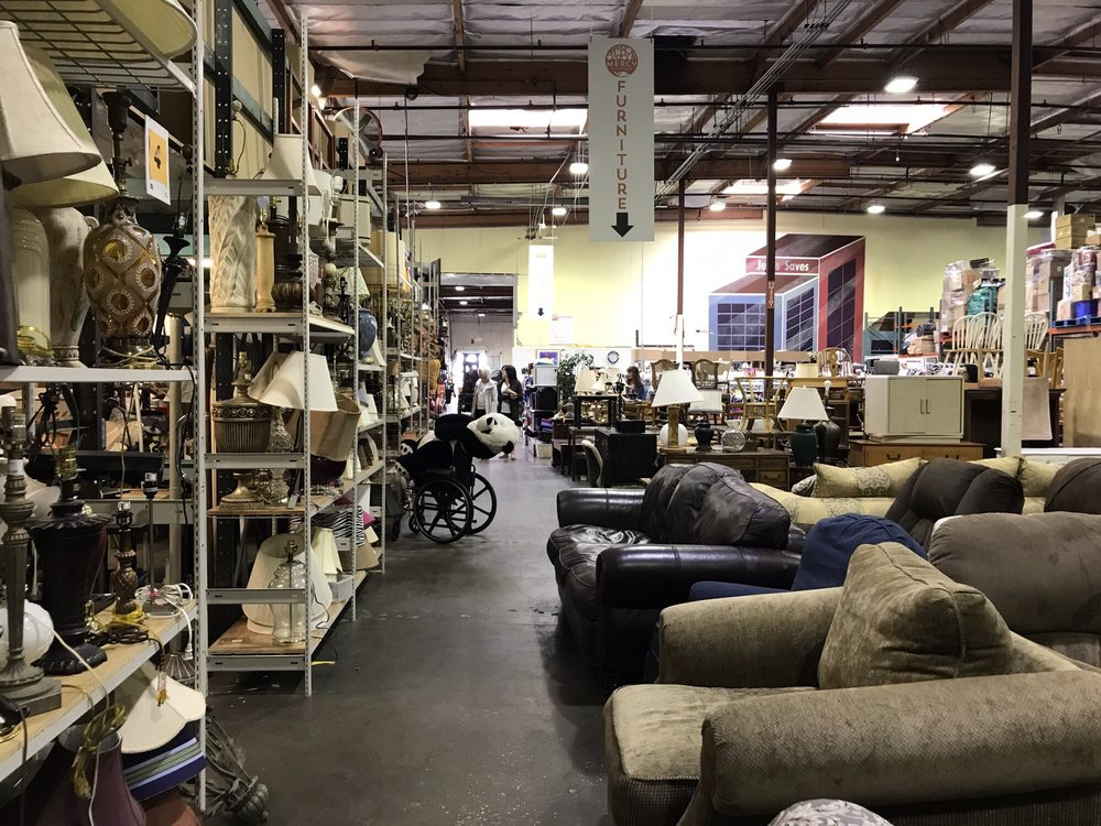 Mercy Warehouse 27 Photos Amp 47 Reviews Thrift Stores