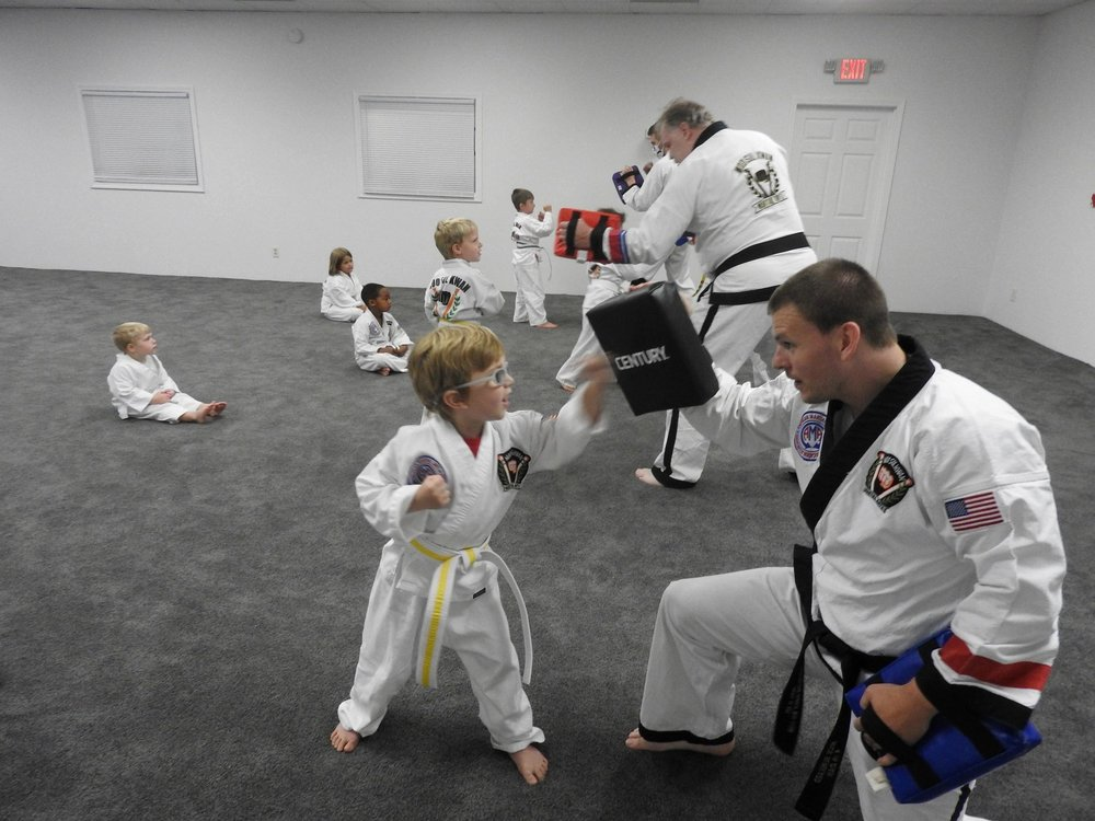 Missouri Taekwondo Institute: 605 Brunt Blvd, Sikeston, MO