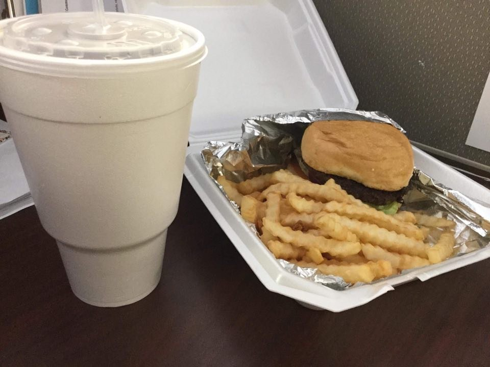 The Snaggy Bend Cafe: 599 Main St, New Madrid, MO