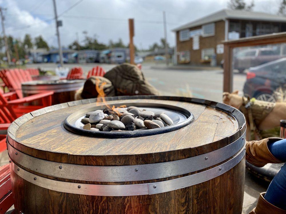 The Winery at Manzanita: 253 Laneda Ave, Manzanita, OR