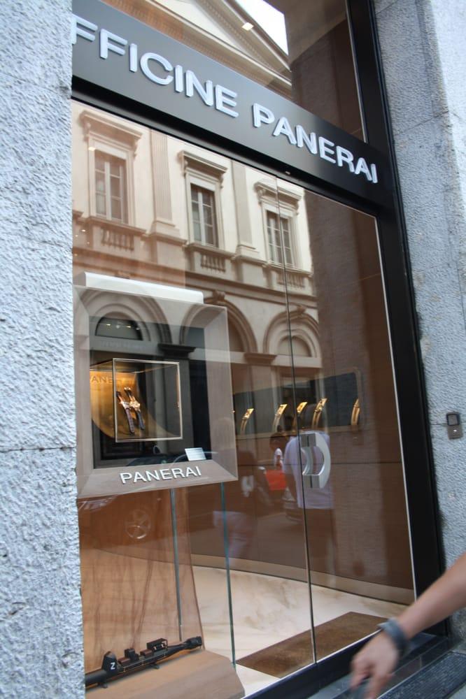 Officine panerai horloges via montenapoleone 1 centro for Officine panerai milano
