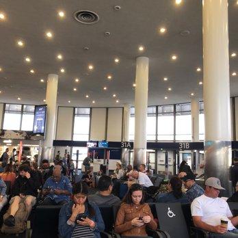 Lax Terminal 2 158 Photos Amp 77 Reviews Airport