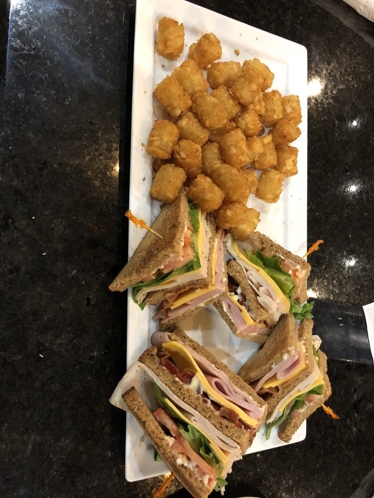 Flightline Cafe & Catering: 2073 US Hwy 92 W, Winter Haven, FL