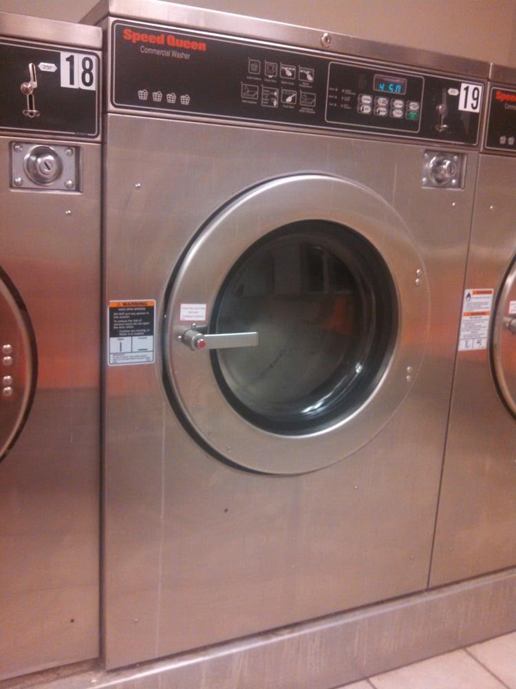 Annville Laundromat: 619 W Main St, Annville, PA
