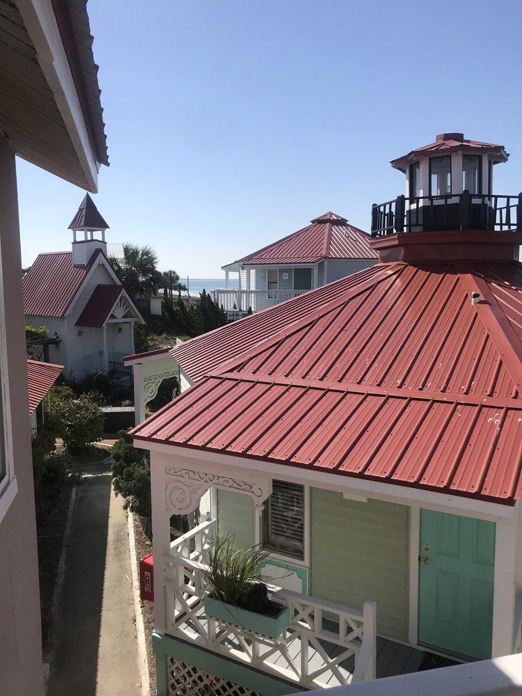 Driftwood Inn: 2105 Hwy 98, Mexico Beach, FL