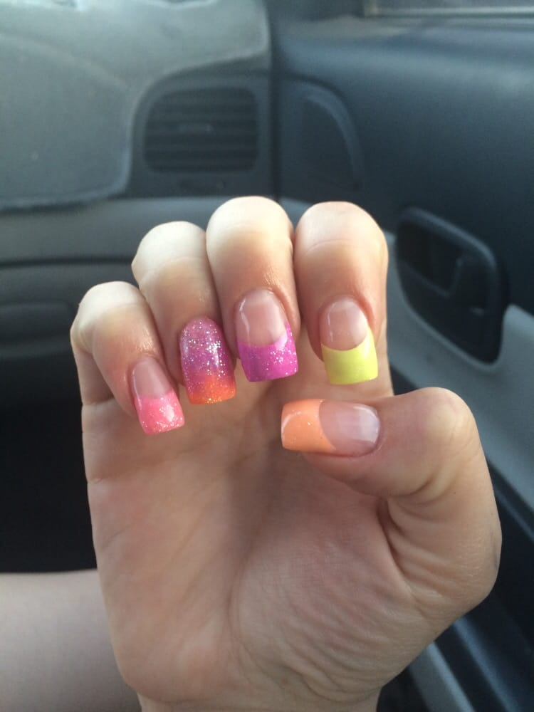 Fun nails nail salons 12228 n 51st ave glendale az for A salon on 51st ave
