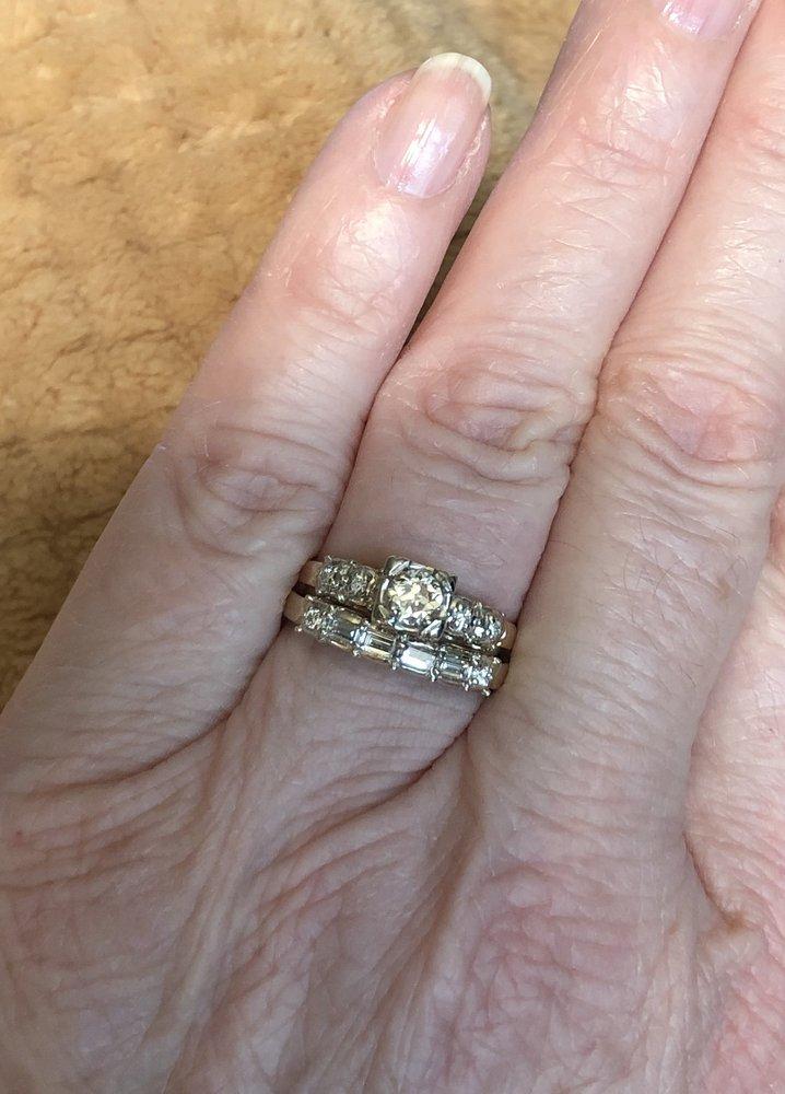 Francis J. Jewelers: 1010 Mantua Pike, Woodbury Heights, NJ