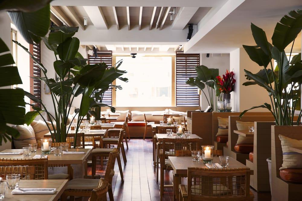 Photos pour tommy bahama restaurant bar store new for Four pour restaurant
