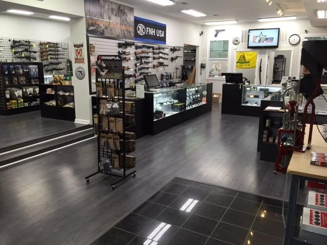 United Gun Shop 32 Photos 26 Reviews Guns Ammo 5465