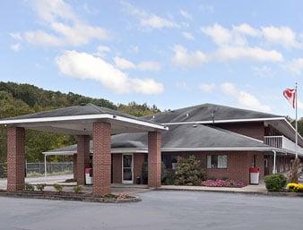 Days Inn Renfro Valley Mount Vernon: 1630 Richmond St, Mount Vernon, KY