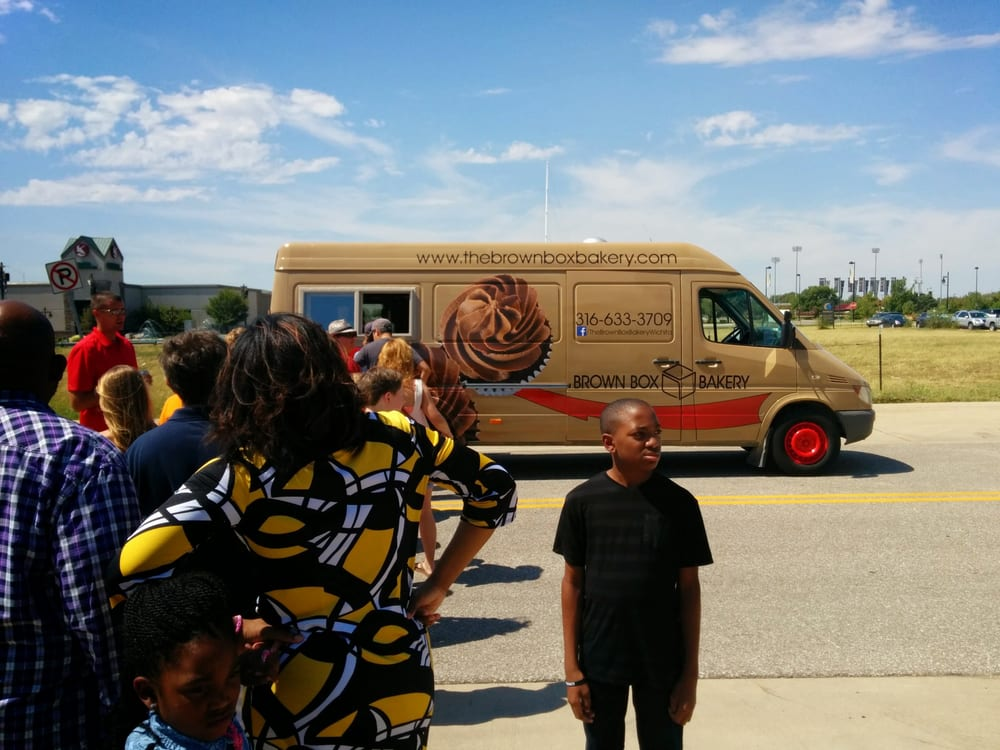 Brown Box Bakery: Wichita, KS