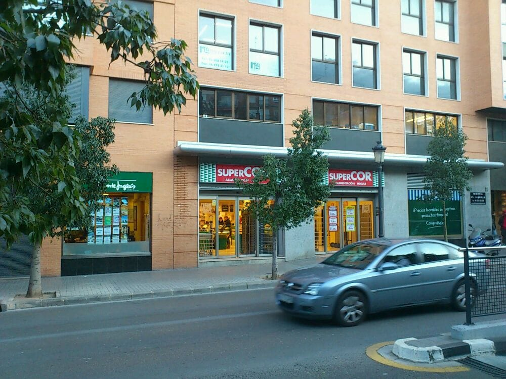 SuperCOR: Calle Uruguay, 3, Valencia, V