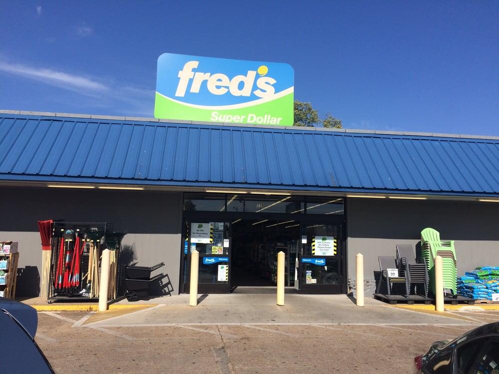 Fred's Super Dollar: 236 Desoto Ave, Clarksdale, MS