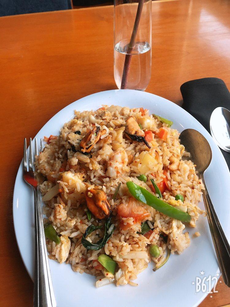 Bann Thai Restaurant: 1830 Oakland Ave, Indiana, PA