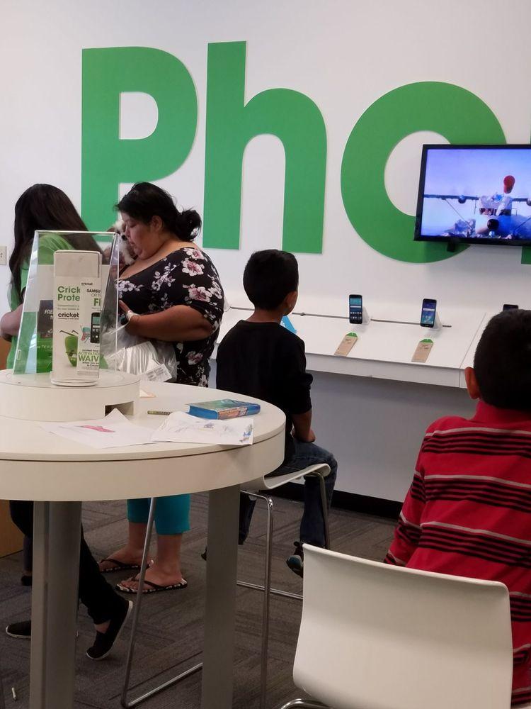 Cricket Wireless Authorized Retailer: 4025 A St SE, Auburn, WA