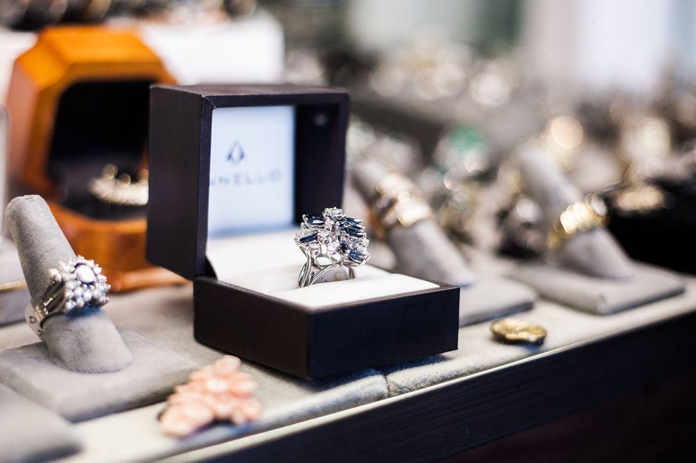 R & R Estate Jewelers