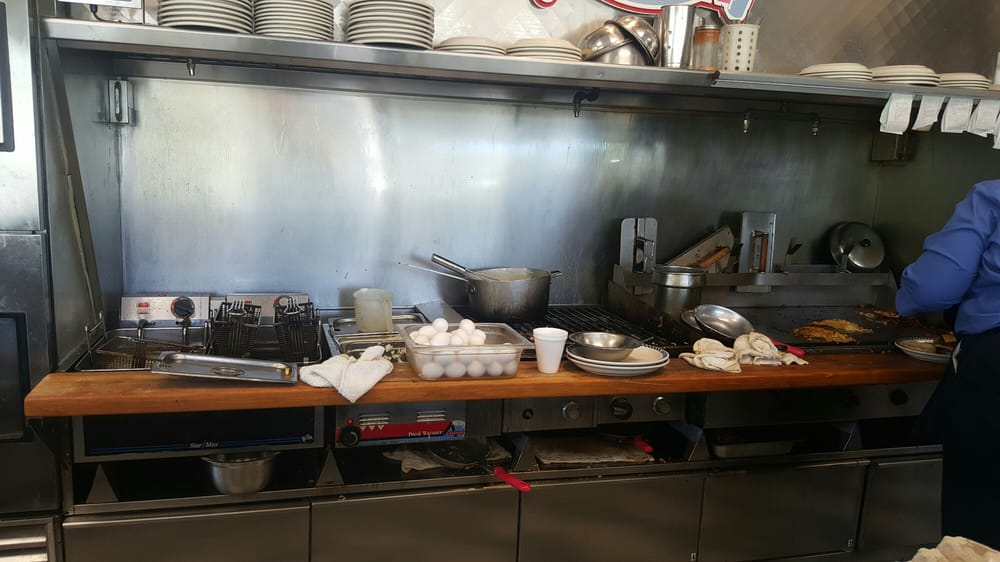 3 Squares Diner: 38TH Blvd NE, Cairo, GA