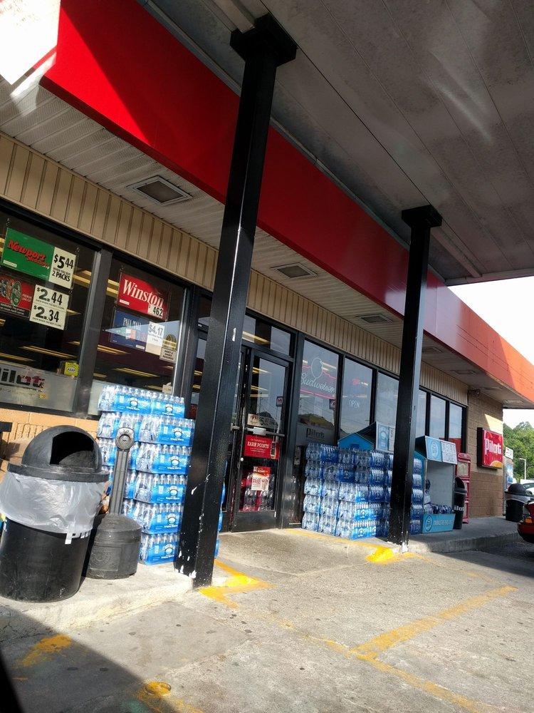 Pilot Convenience Store: 706 North Main St, Lake City, TN