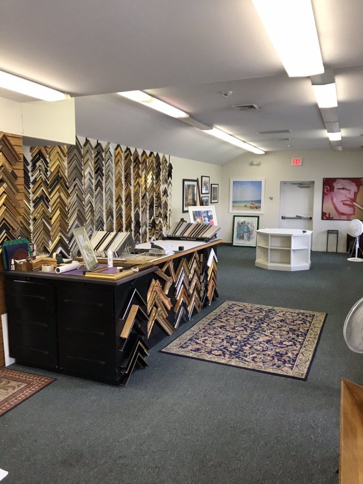 Colonial Custom Picture Framing: 135 Mason St, Greenwich, CT