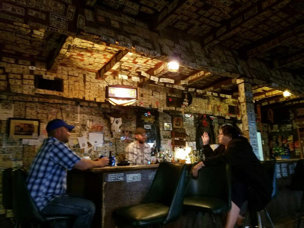 Horseshoe Bar and Grill: 252 S Dakota Hwy 44, Interior, SD
