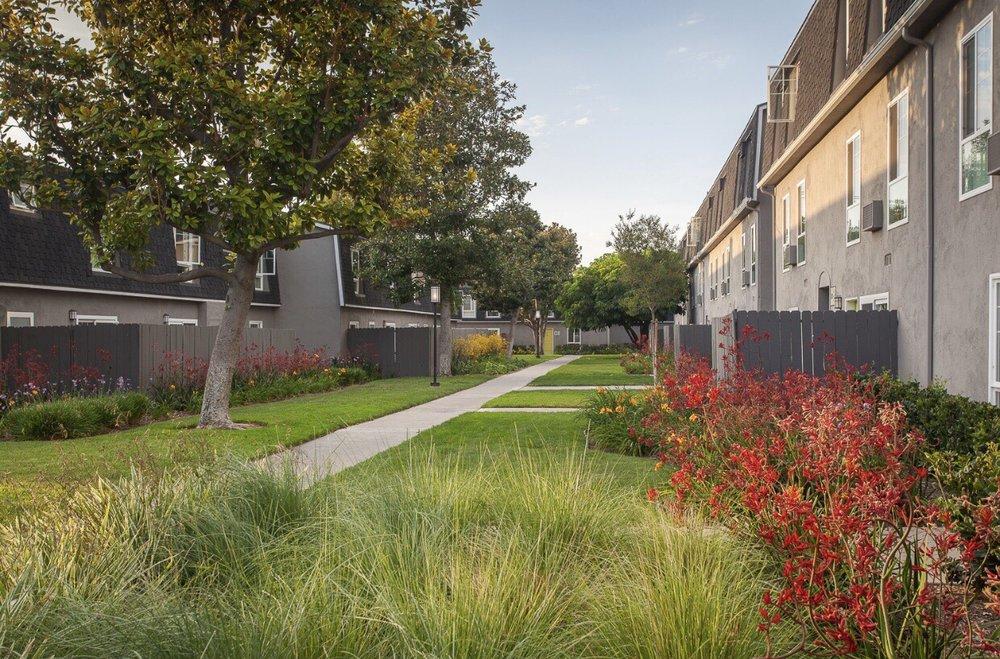 A Plus Landscape Service: Perris, CA