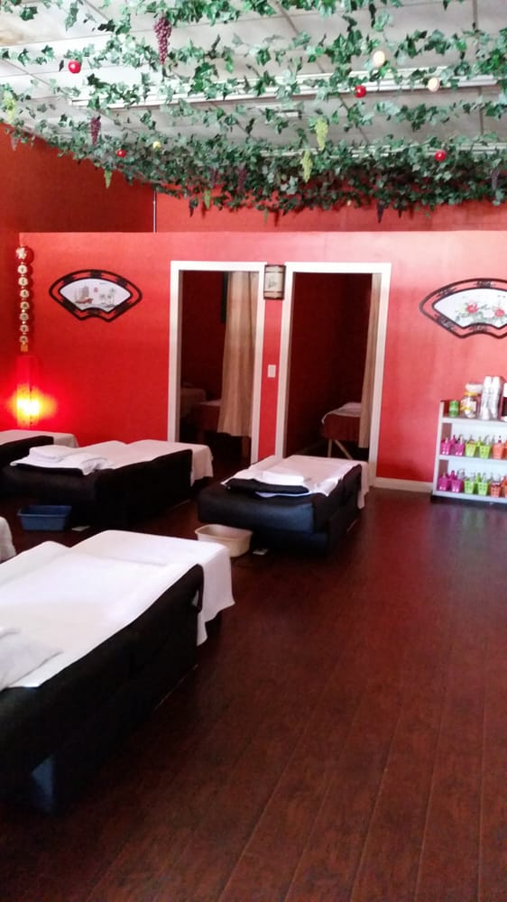 Hollywood foot spa massage closed 34 photos 18 for 1662 salon east reviews