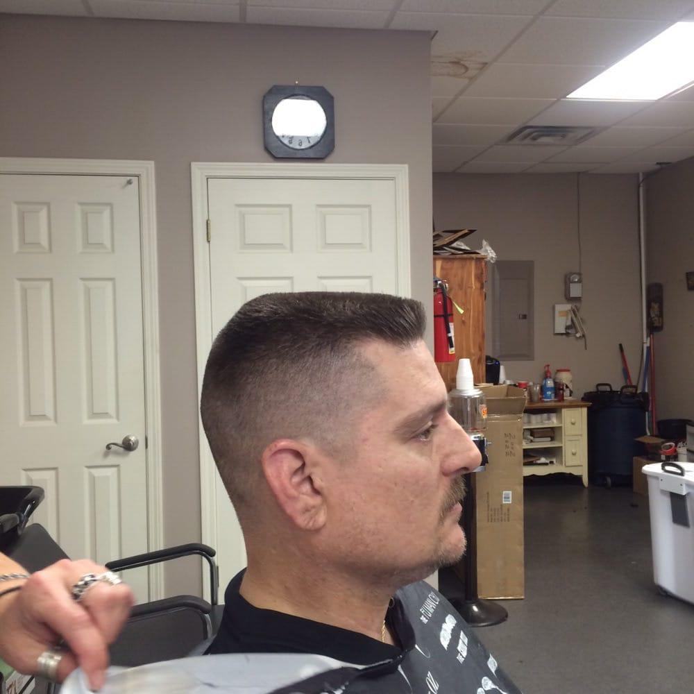 Debra's Barber Shop: 4508 Coliseum Blvd, Alexandria, LA