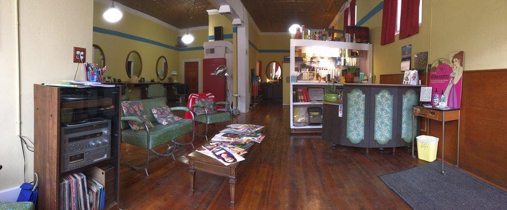 The Edge Salon: 106 S Main St, Council Bluffs, IA