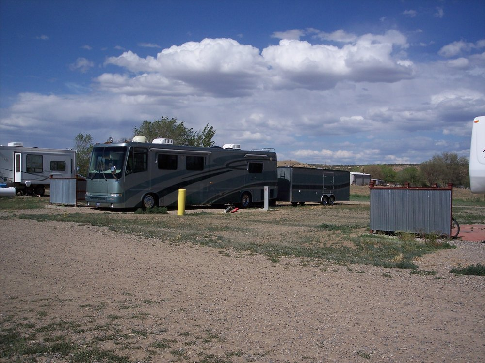 B&L RV Park & Storage: 658 Hwy 170, Farmington, NM