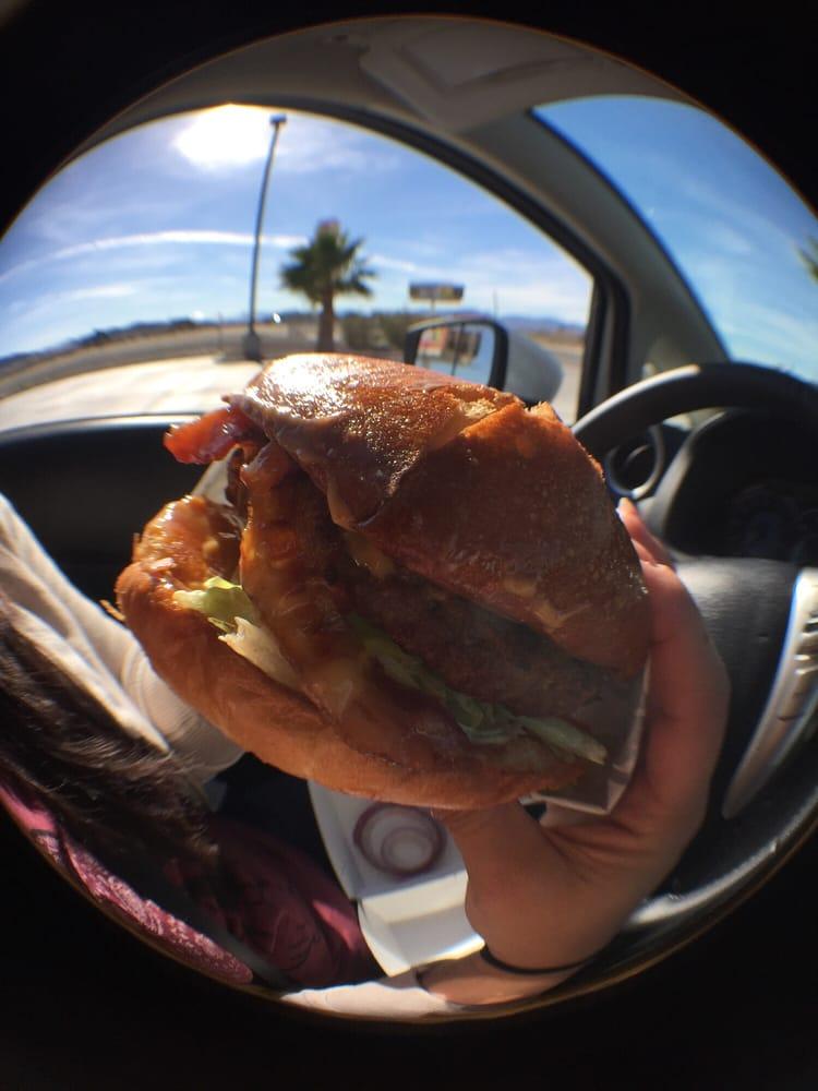 Carl's Jr: 56335 Mojave Pointe, Baker, CA