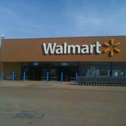 Walmart - Storcentre - 1620 Sarah Dewitt Dr, Gonzales, TX