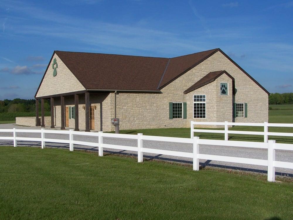 Daisy Hill Animal Hospital, Ltd.: 2215 Center St, Ashland, OH