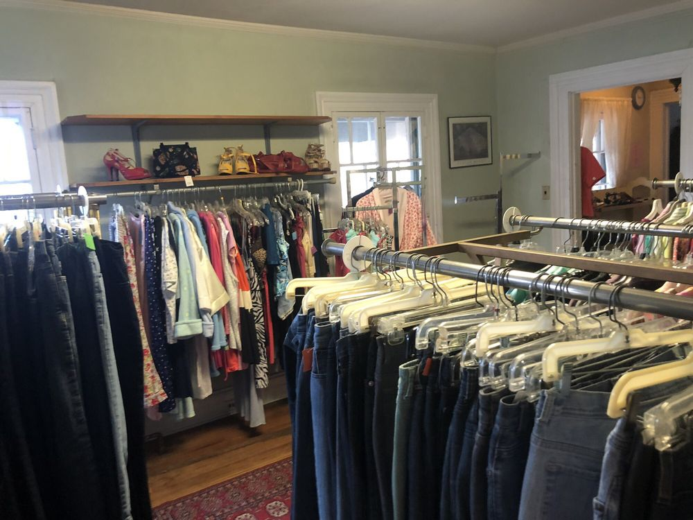 St Agnes Thrift Shop: Ave D & South Ave, Atlantic Highlands, NJ