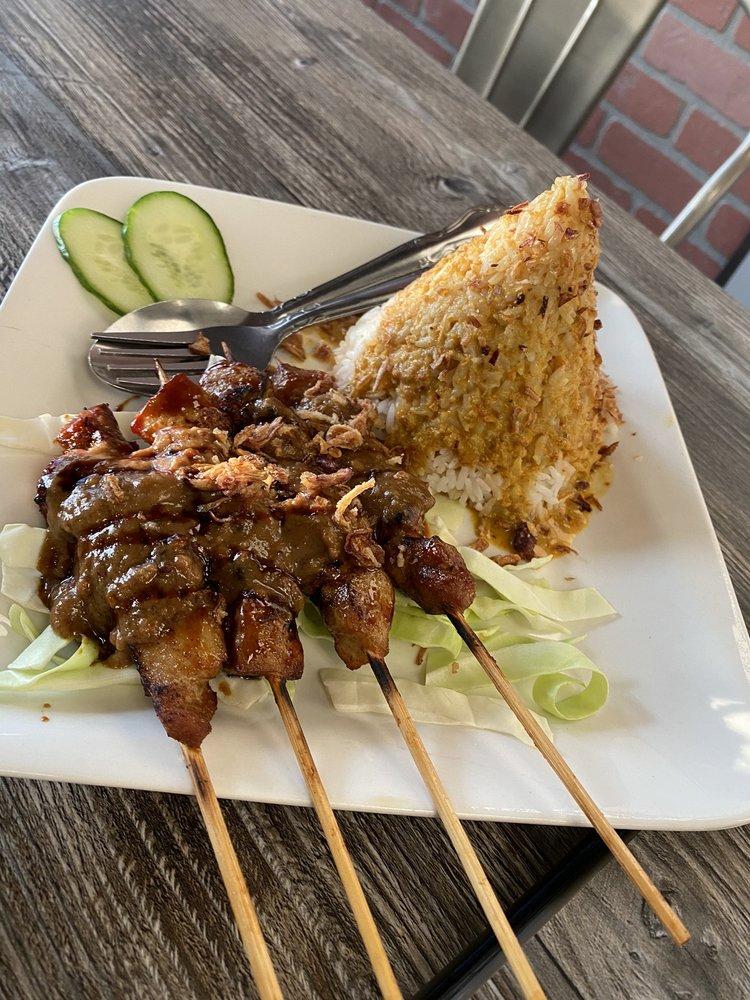 Uncle Fung Borneo Eatery: 7855 La Palma Ave, Buena Park, CA