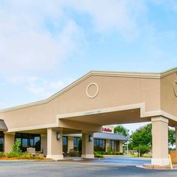Photo Of Clarion Inn Suites Dothan Al United States