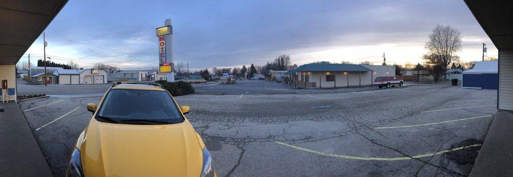 State Street Motel: 1279 State St, Weiser, ID