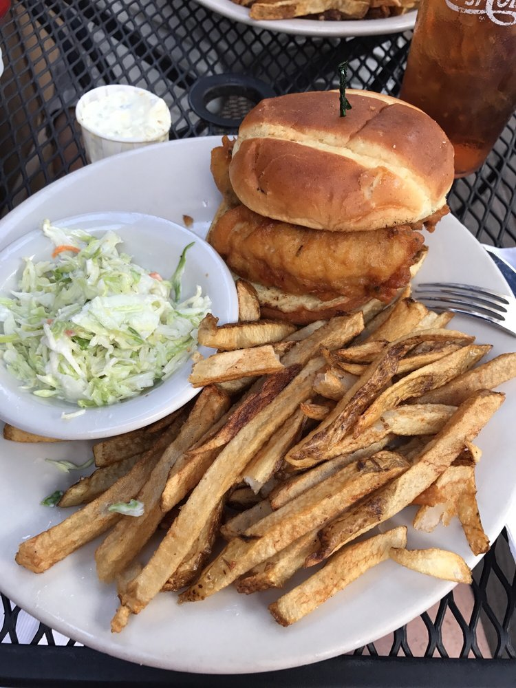 Jake's On The Lake: 32485 Lake Rd, Avon Lake, OH