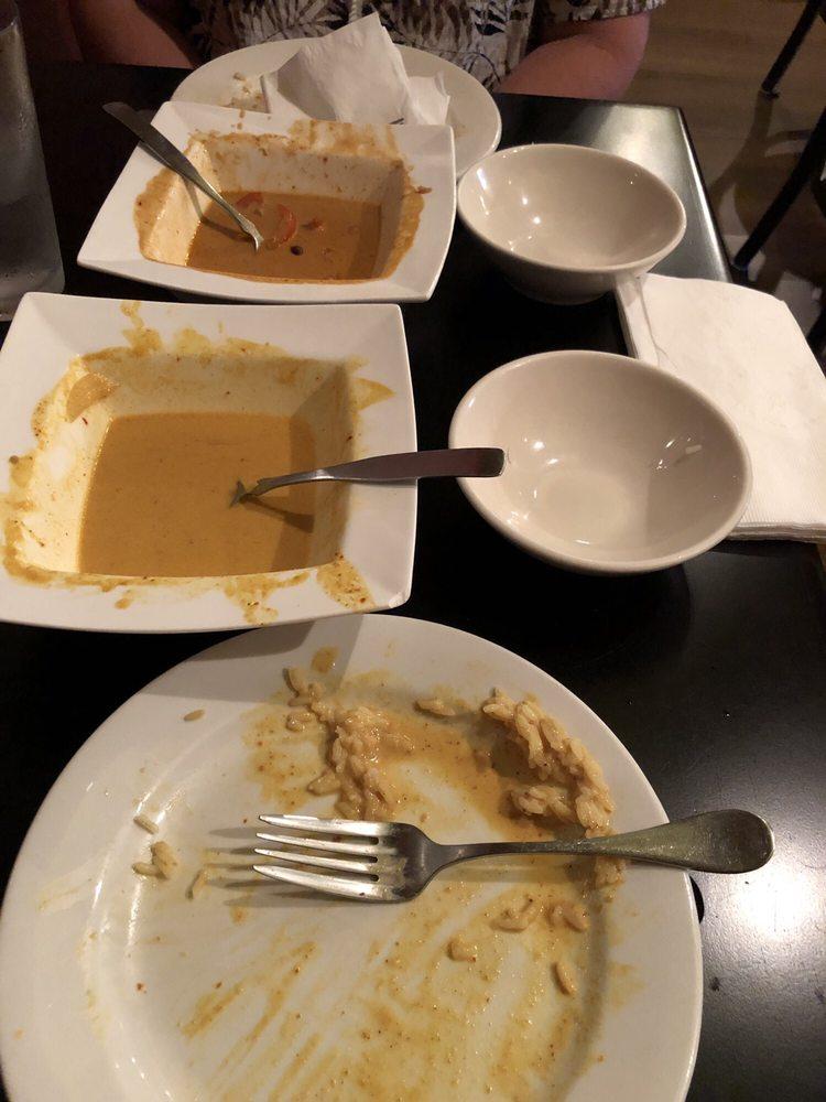 Tuppee Tong Thai Restaurant: 310 W Main St, Muncie, IN