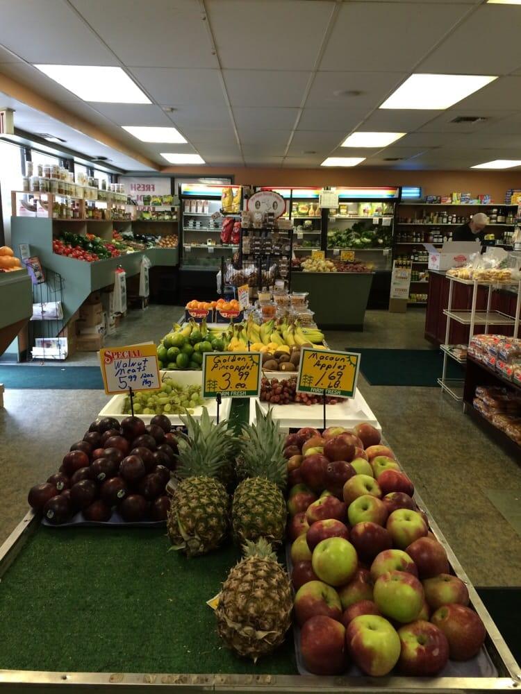Garden Hills Fruit Deli 19 Reviews Greengrocers 763 Oaklawn Ave Cranston Ri United