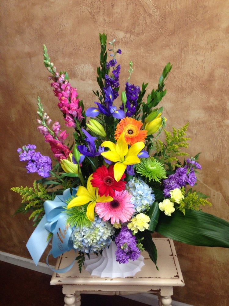 Twigs Flowers & Gifts: 5098 S 108th St, Omaha, NE
