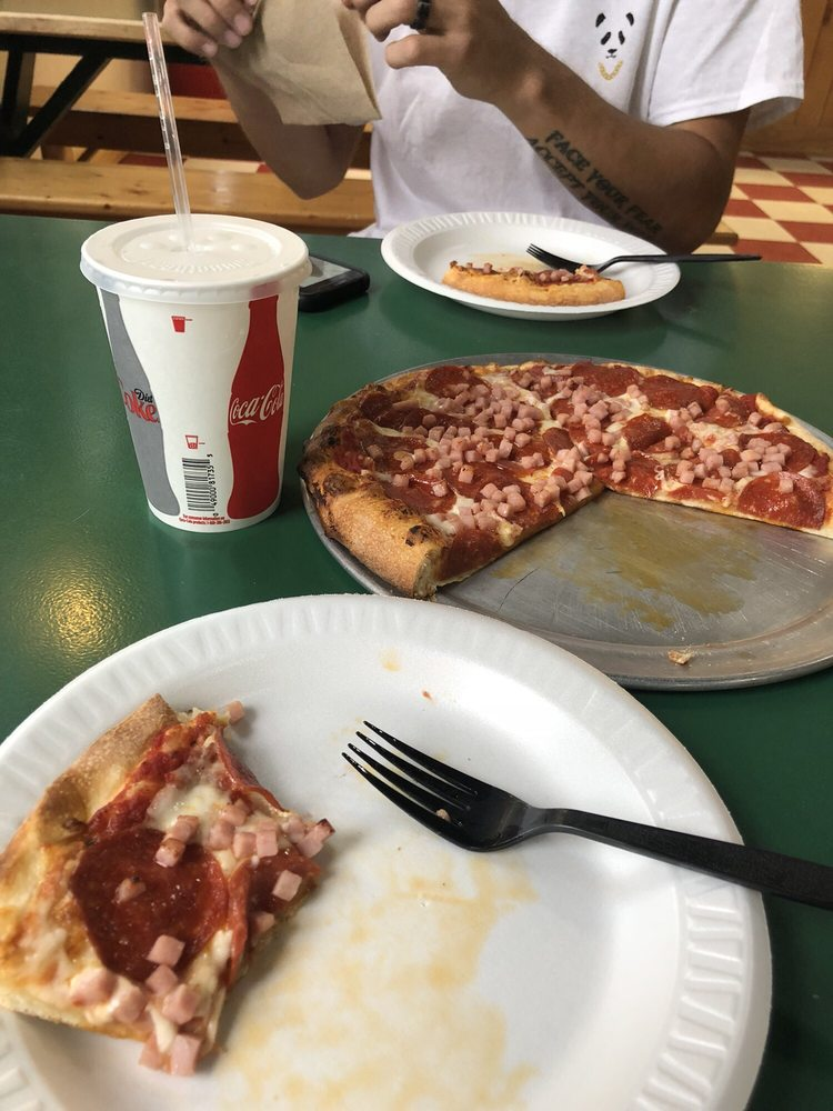 Pizza Works: 429 Mt Rushmore Rd, Custer, SD