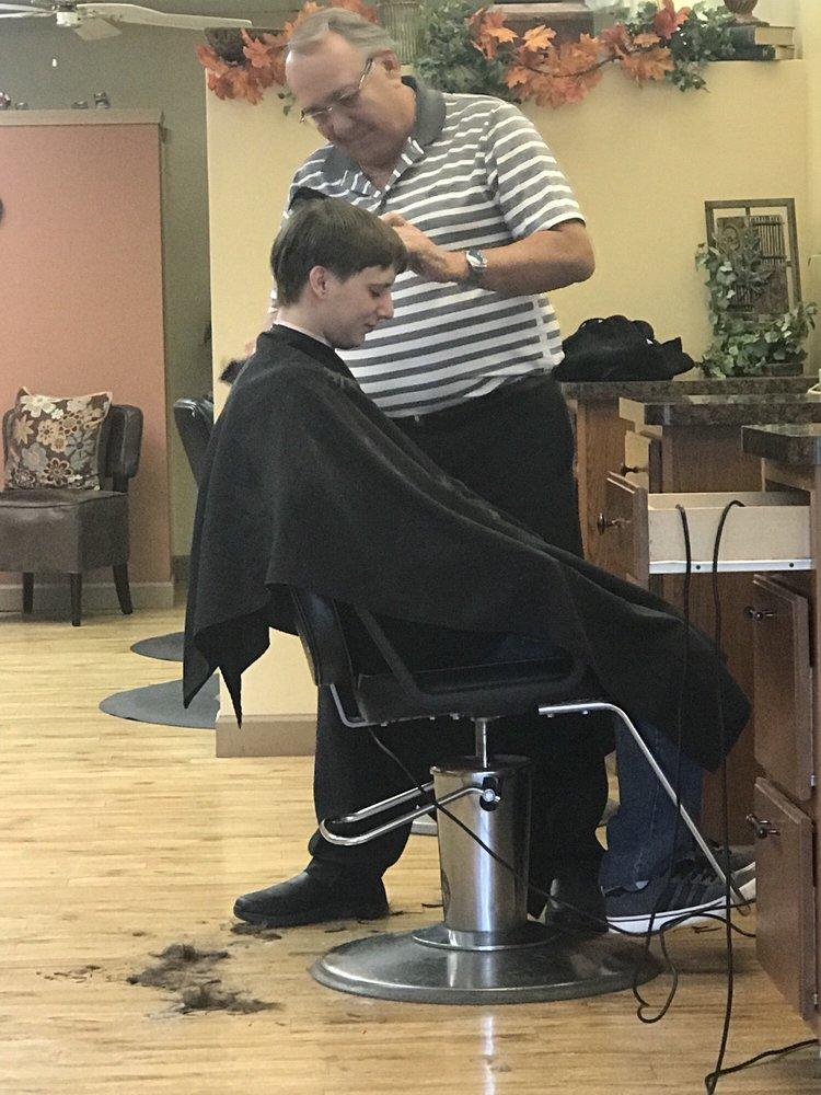 Yankee Clipper Hair Stylist: 224 Cherry Ave, Chardon, OH