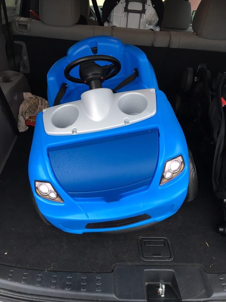Toys R Us: 24011 Hesperian Blvd, Hayward, CA