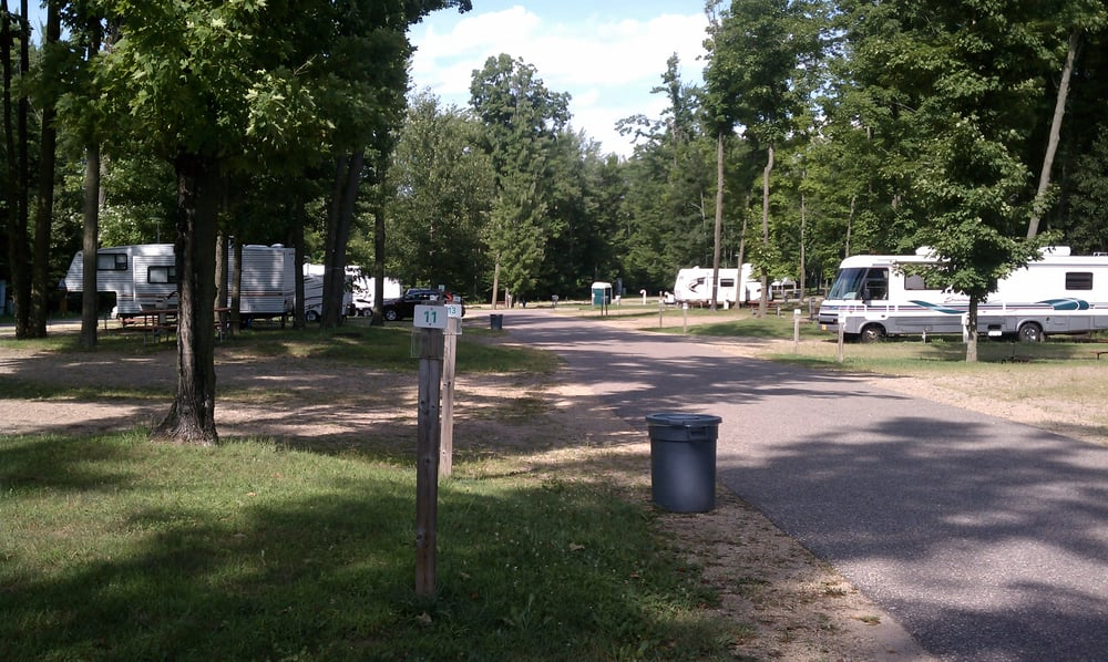 Mohican North Star Rv Park: W12180 County Rd, Bowler, WI