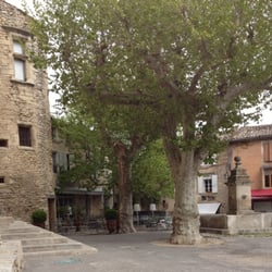 Le Renaissance - Gordes, Vaucluse, France. Le Renaissance - Gordes